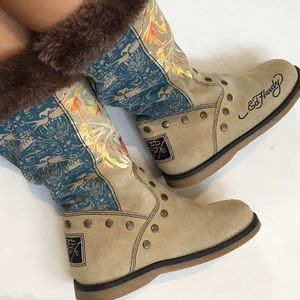 Ed hardy boots size 7 tiger embroidered faux fur